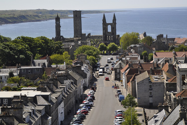 scenic-st-andrews-view-towards-cathedral